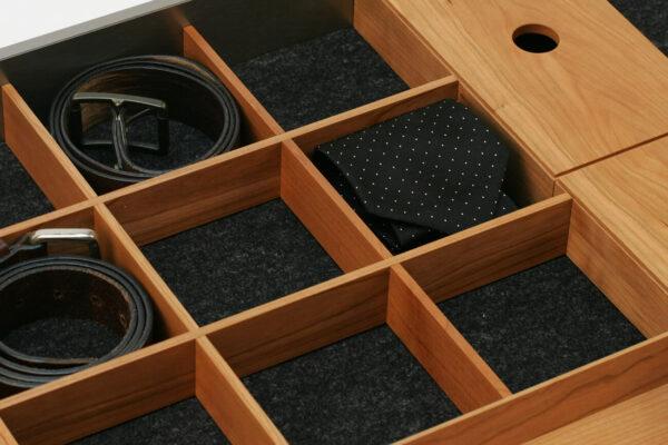Kleiderschrank Schublade
